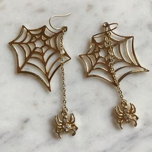 Spider web gold earrings w/ hanging crystal spider